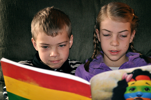Kids Reading (Flickr photo by GoodNCrazy)