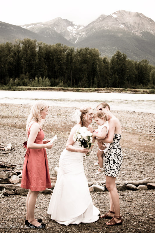 A Riverside Wedding in British Colombia, Canada
